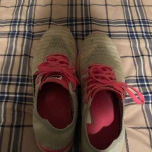 Nike girls shoe